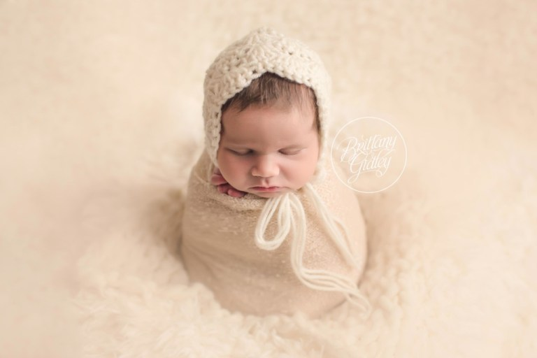 Pepper Pike Newborn Photographer | Bonnet Newborn Image | Start With The Best | In Home Newborn Session