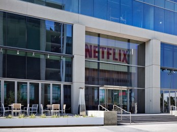 Netflix reports record year for subscriber growth