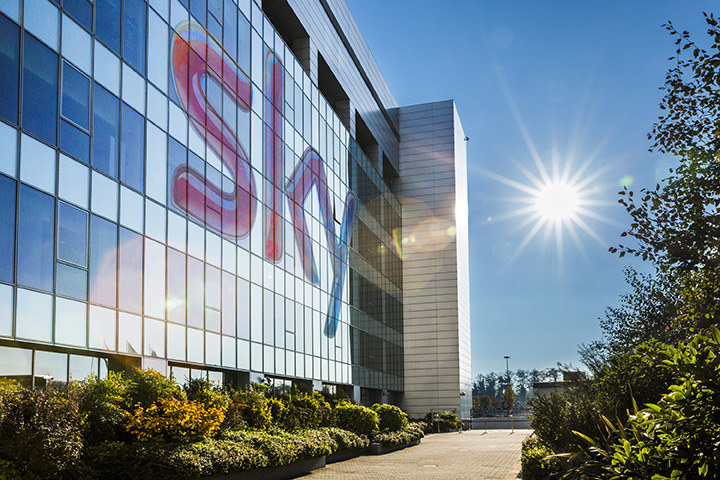 Sky Italia to cut staff by a quarter