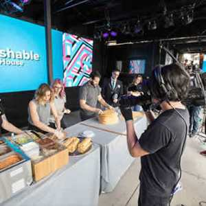 53-Video-Streaming_Mashable-Show_Twitter