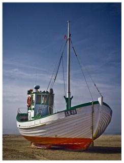 09|05|2012 – Fischerboot am Strand von Løkken