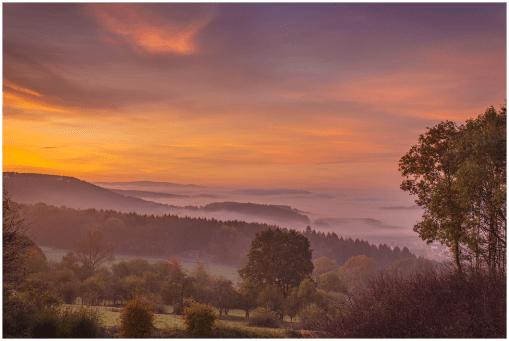 18|10|2014 – Vor Sonnenaufgang (Blick von Winnen nach Gemünden)