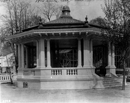 Broad_Ripple_Park_pavillion_1905_Bass_