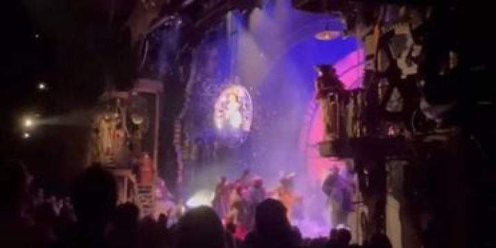 VIDEO: WICKED Returns to Broadway! See the First Thrillifying Minutes of Opening Night! Photo