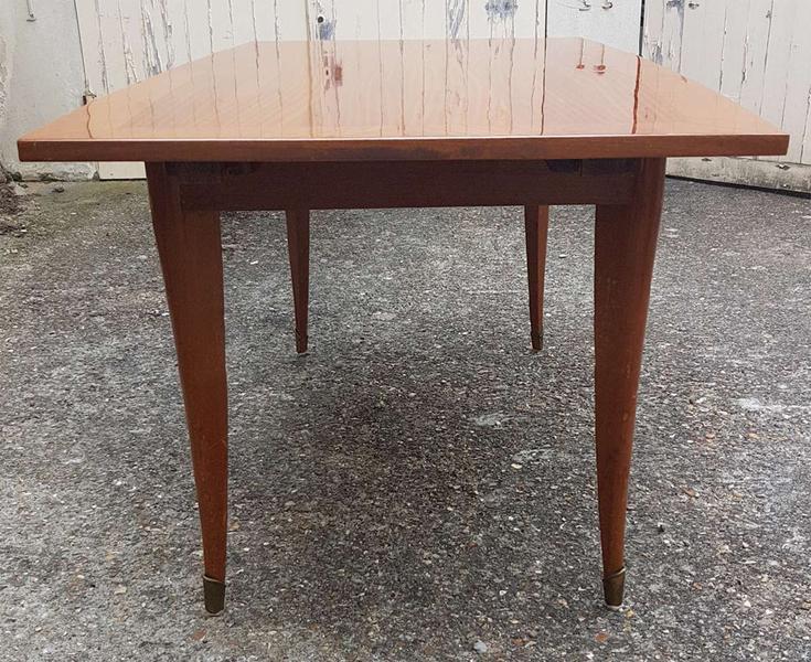 tables vintage des annees 1950