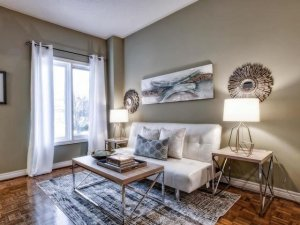 An image of the living room for 830 Surin Crt in Newmarket