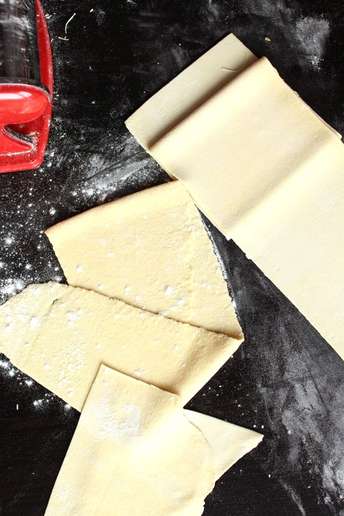 Vegan Pasta Dough Recipe – How to make vegan fresh pasta explained in this short and easy to follow blog post.