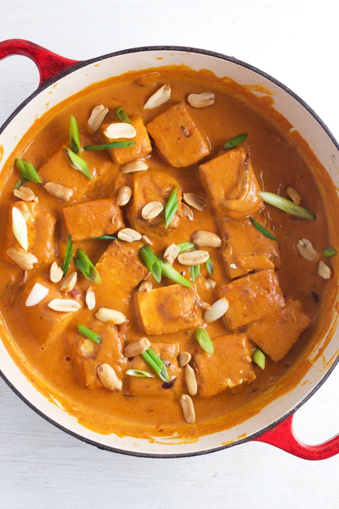 West African Peanut Stew - Packed with protein and exploding with flavour this Vegan African Peanut Stew is as easy to make as it is satisfying to eat (very).
