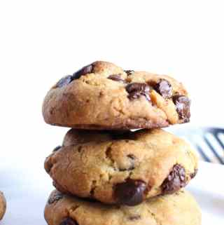 The Best Vegan Chocolate Chip Cookies – Soft & Chewy