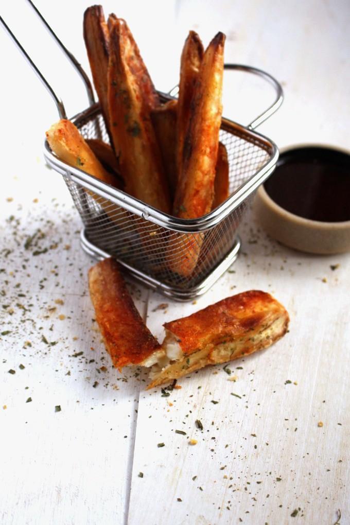 Crispy Yuca Fries - If crispiness is your aim, yuca fries is your game. This is oven baked crispy yuca fries baby -Idrisstwist.com