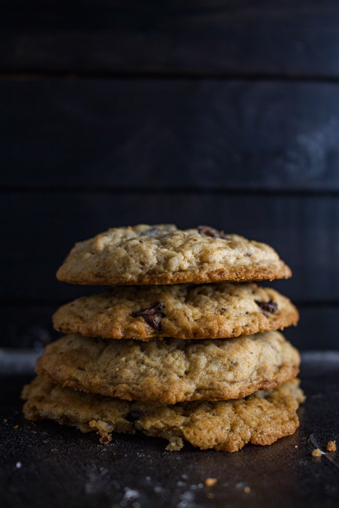 Vegan Chocolate Chip Banana Cookies - This easy vegan cookies recipe is simple and guaranteed to make you happy!