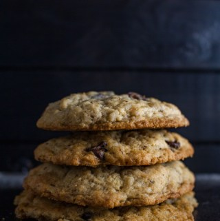 Vegan Chocolate Chip Banana Cookies - This easy vegan cookies recipe is simple and guaranteed to make you happy!