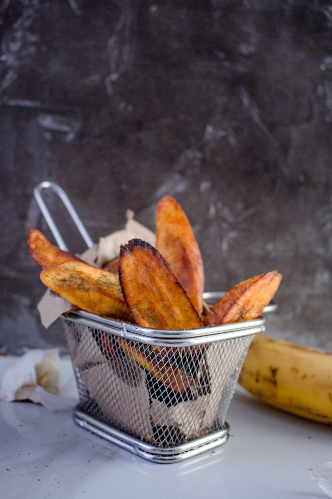 Plantain Chips Recipe | This simple side dish is the perfect balance between sweet and salty. It's ready in minutes and requires only a few ingredients. #vegan #chips #paleo #whole30 #fries #chips #easyrecipe