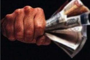 BRONTE: CAUSA UN INCIDENTE E MINACCIA L'INVESTITO