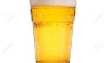 24734279-bicchiere-di-birra-isolato-su-sfondo-bianco-Archivio-Fotografico