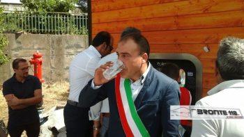 """MANIACE: BENVENUTI NELLA CASA DELL'ACQUA """"COSTA POCHISSIMO ED E' OTTIMA"""""""