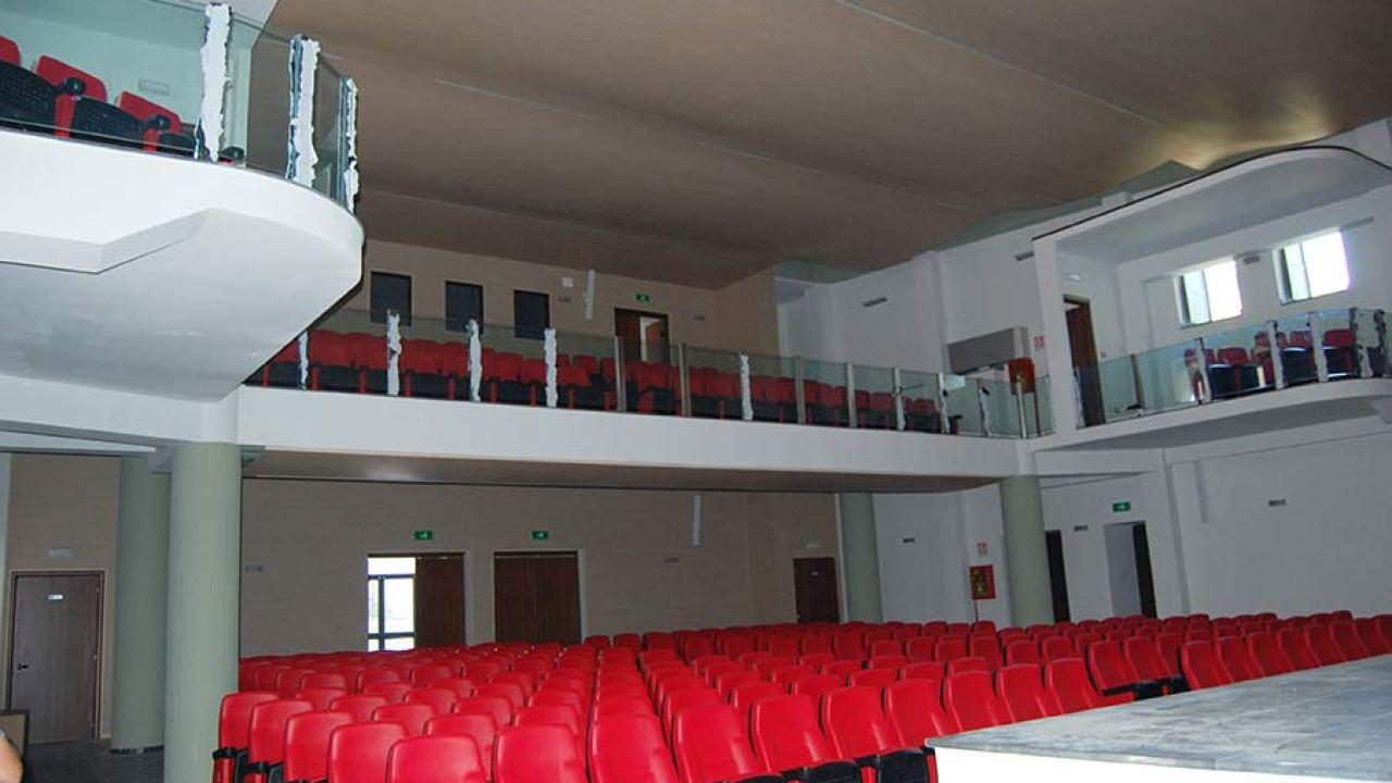 Agibilità Dopo Ristrutturazione randazzo: il cineteatro comunale dopo la ristrutturazione ha