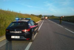 SS 284: AUTO IN FIAMME A PASSO ZINGARO