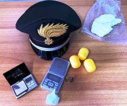 RANDAZZO, MURATORE BECCATO IN AUTO CON LA COCAINA: ARRESTATO