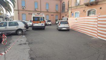BRONTE: PRONTO SOCCORSO, MACCHINE IN SOSTA IMPEDISCONO L'ACCESSO ALLE AMBULANZE