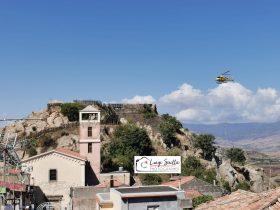 MALETTO: ROCCA CASTELLO, UN ELICOTTERO PER PORTARE I MATERIALI LE FOTO E IL VIDEO
