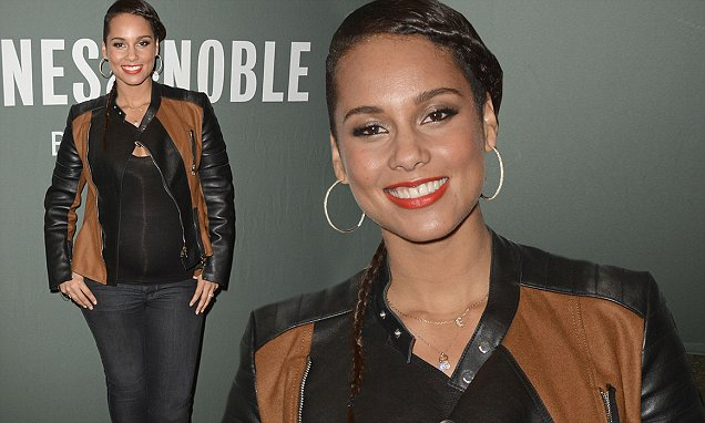 Alicia Keys appears at Barnes & Noble, Tribeca, NYC