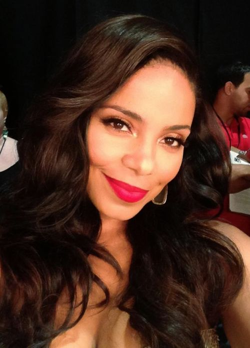 Sanaa Lathan red lips