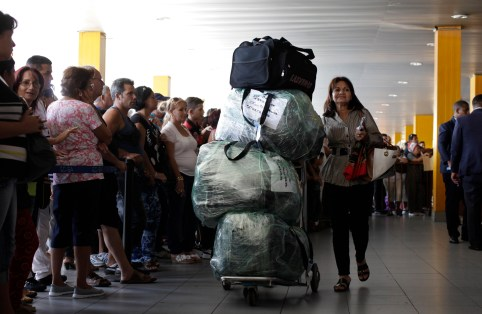 havana_airport_luggage001