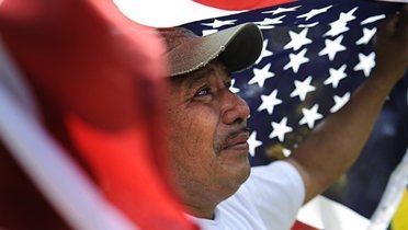 immigrant_flag001_16x9