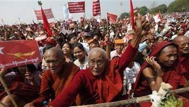 myanmar_monks001_16x9
