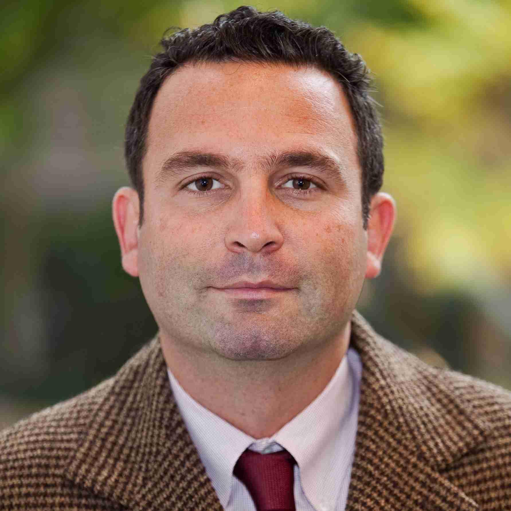 Omer Taspinar headshot