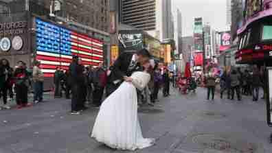 wedding_times_square001_16x9