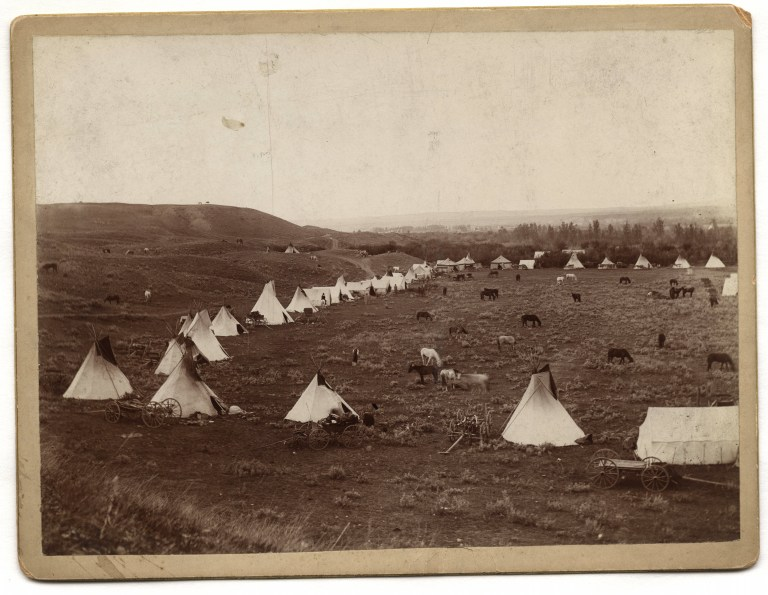 Photo of an unidentified Indian encampment, ca. 1927