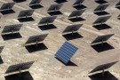 Solar panels are seen at a power plant in Amareleja, Portugal, May 1, 2008.   REUTERS/Jose Manuel Ribeiro/File Photo - RTSM0MH