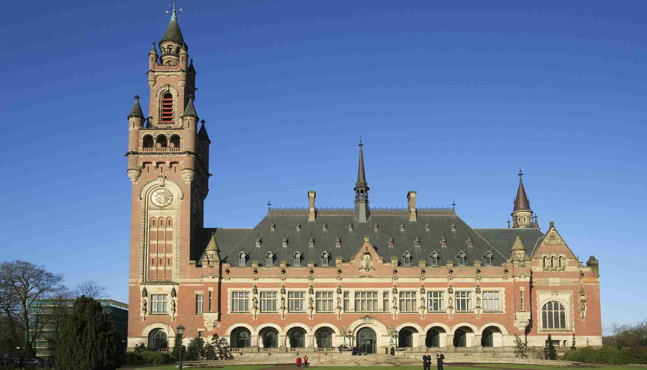 A general view of the exterior of the Peace Palace, seat of the International Court of Justice in The Hague, the Netherlands April 12, 2006. - RTXOHKM