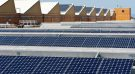 Solar panels sit on the roof of SunPower Corporation in Richmond, California March 18, 2010. REUTERS/Kim White/File Photo - RTSTKW8