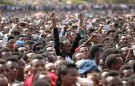 Residents attend a rally by Ethiopia's newly elected prime minister Abiy Ahmed during his visit Ambo in the Oromiya region, Ethiopia April 11, 2018. REUTERS/Tiksa Negeri - RC172DC0DAF0