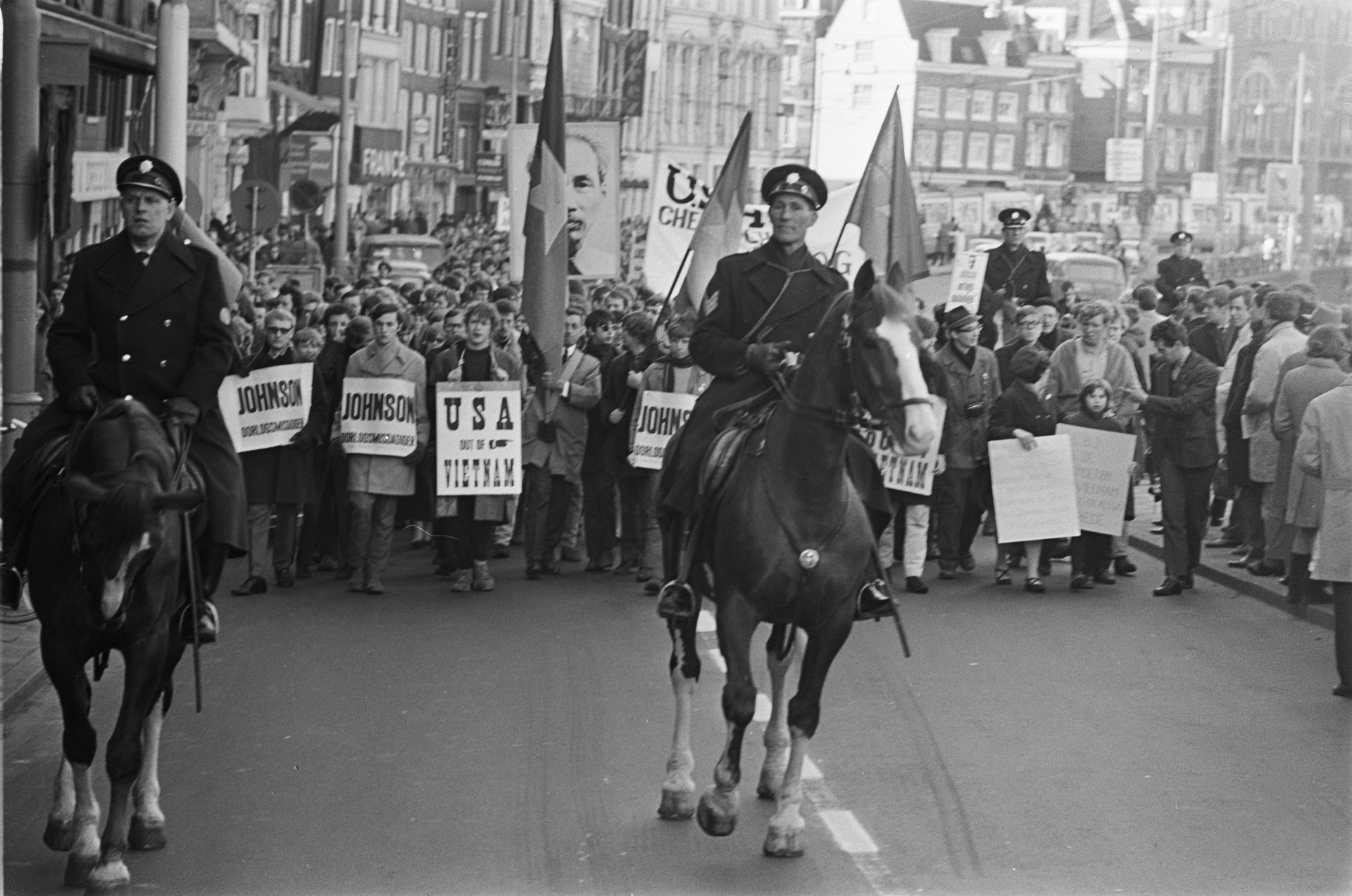 Anti-American demonstration in Amsterdam, 16 March 1968. Photo by Nijs, Jac. de / Anefo | Nationaal Archief