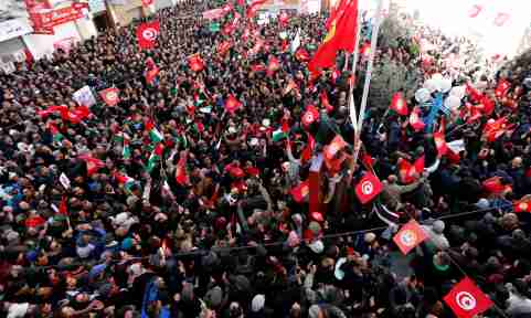 People shout slogans during a nationwide strike against the government's refusal to raise wages in Tunis, Tunisia January 17, 2019. REUTERS/Zoubeir Souissi - RC17459A83B0