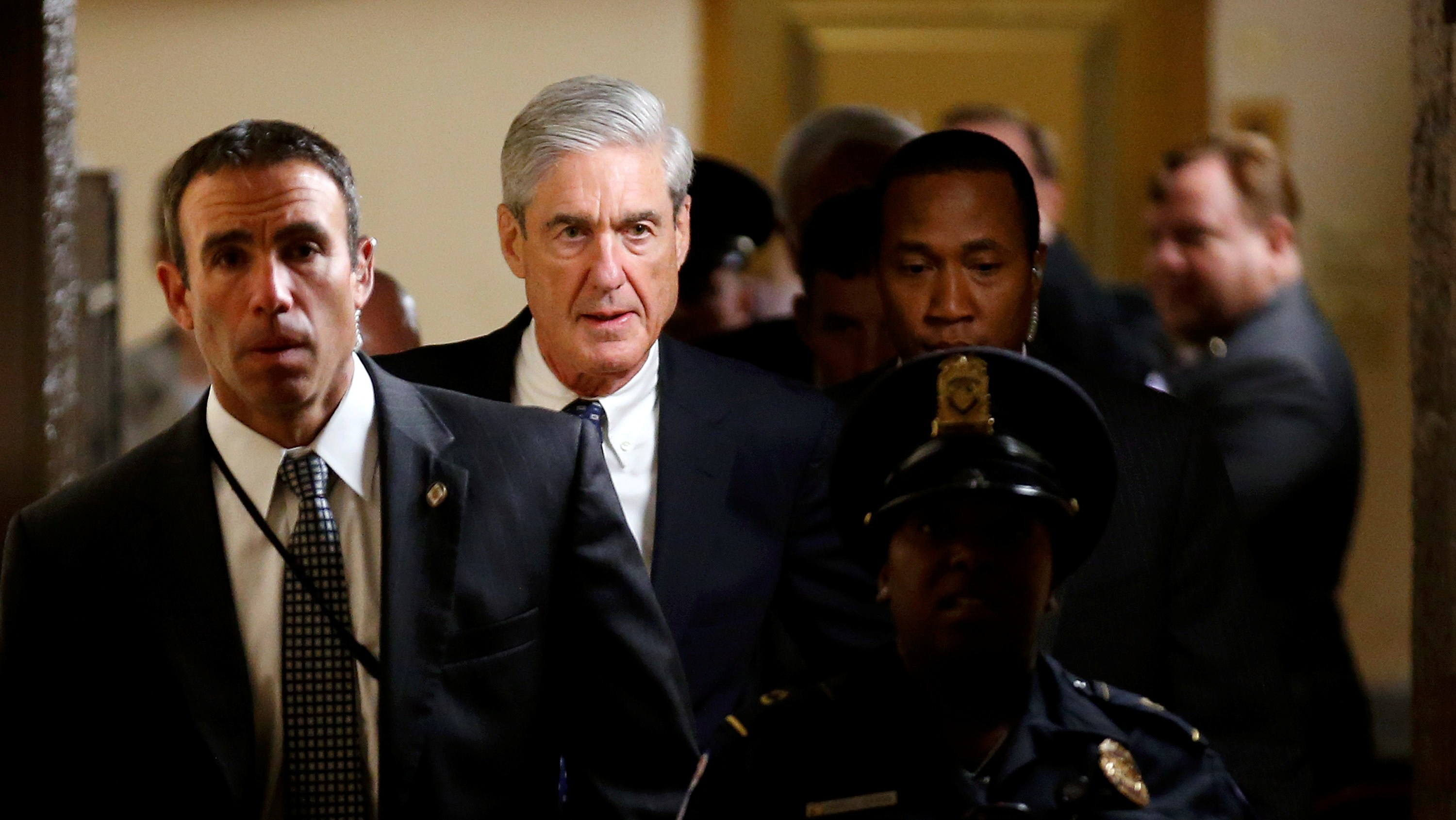 Special Counsel Robert Mueller departs after briefing members of the U.S. Senate on his investigation of potential collusion between Russia and the Trump campaign on Capitol Hill in Washington, U.S., June 21, 2017.   REUTERS/Joshua Roberts - RC18CD8B4890
