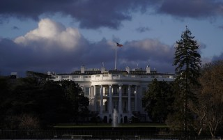 The White House is seen after Special Counsel Robert Mueller handed in his report to Attorney General William Barr on his investigation into Russia's role in the 2016 presidential election and any potential wrongdoing by U.S. President Donald Trump in Washington, U.S., March 22, 2019. REUTERS/Joshua Roberts - RC1F6046A900