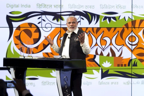 India's Prime Minister Narendra Modi speaks about India's digital initiatives at the Google campus in Mountain View, California September 27, 2015. The Indian premier continues his Silicon Valley tour on Sunday with visits to Facebook and Google Inc headquarters before an event at the San Jose Convention Center that 18,000 people are expected to attend. REUTERS/Elijah Nouvelage - GF10000223829