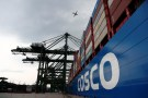 A Cosco Shipping vessel is moored at PSA's Pasir Panjang container terminal in Singapore September 19, 2018.  REUTERS/Edgar Su - RC13C5D789E0