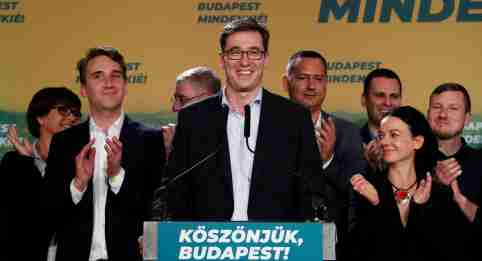 Gergely Karacsony, opposition parties' candidate delivers a statement after his victory after being elected Mayor of Budapest, defeating the ruling party incumbent Istvan Tarlos in Budapest, Hungary, October 13, 2019. REUTERS/Bernadett Szabo - RC1B7E072940