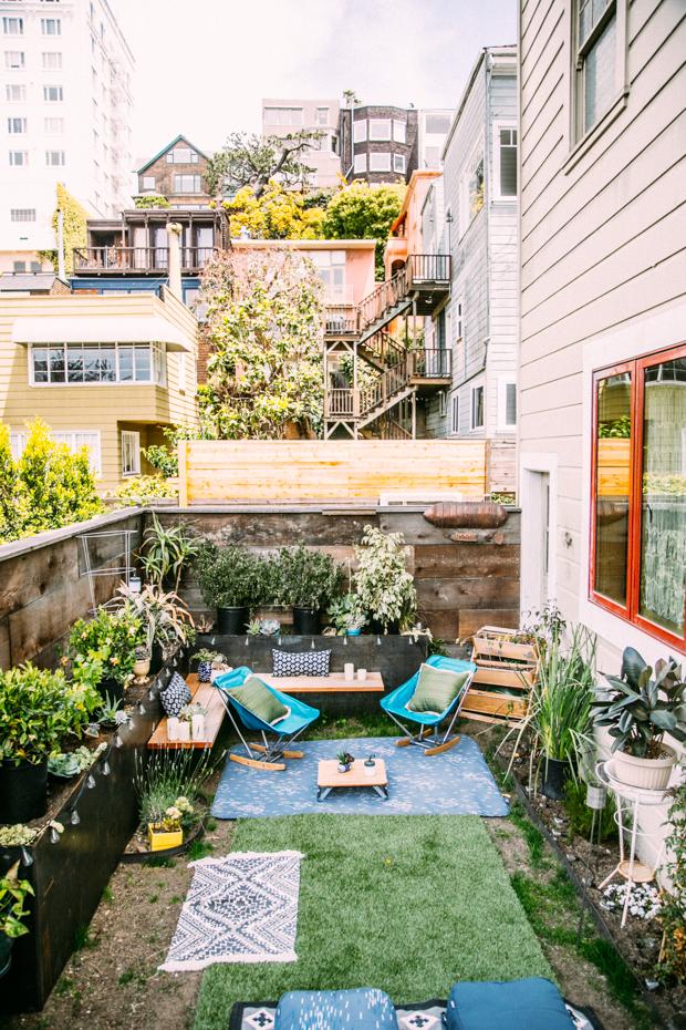 Urban Oasis | Brooklyn Backyard Inspiration | Brooklyn Blonde on Small Urban Patio Ideas id=54154