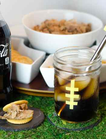Get ready for the Big Game with printable straw flags, DIY tailgate party decor ideas, a great recipe and more! Perfect for any football lover. (sponsored) #ScoreMoreFans #CollectiveBias