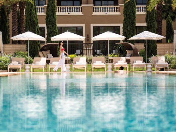 Four-Seasons-Orlando-Adult-Only-Pool