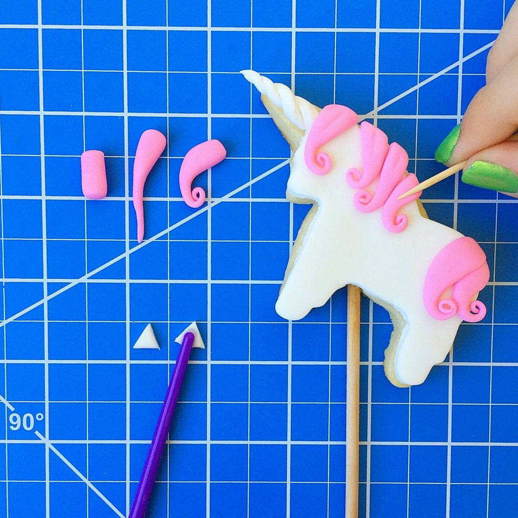 Unicorn Cookie Cake Topper Tutorial