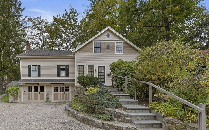 upstate-homes-for-sale-ragtime-mount-kisco-81-west-main-street-carriage-house
