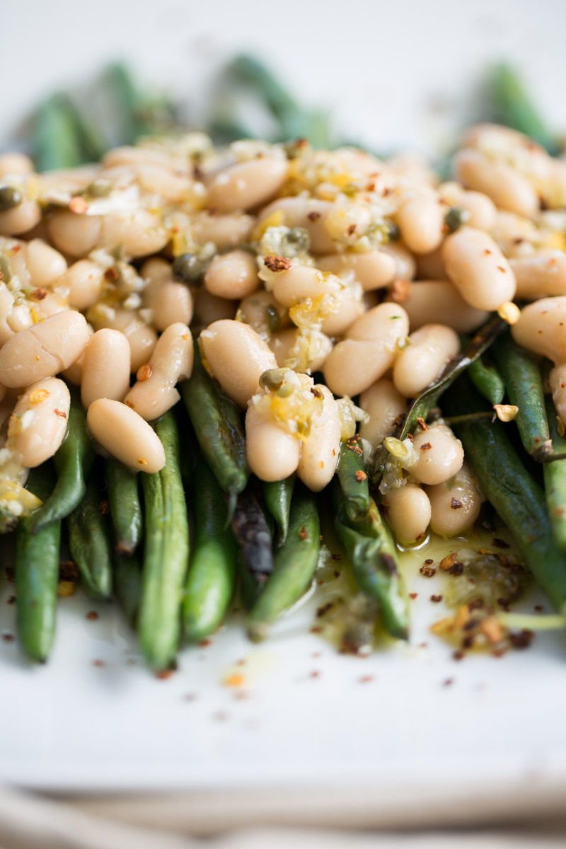 Vegetables with beans and dressing